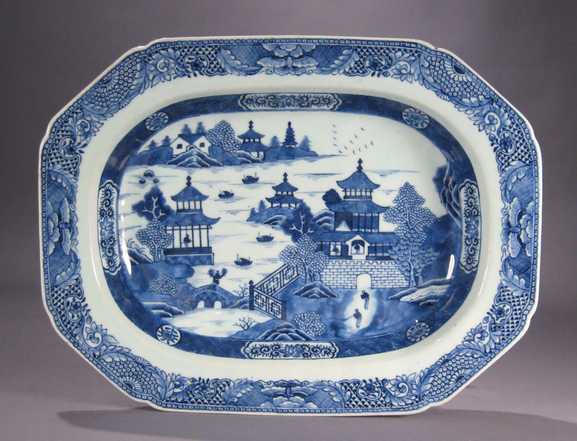 Chinese export porcelain blue and white deep well platter chinese export porcelain blue and white deep well platter floridaeventfo Images