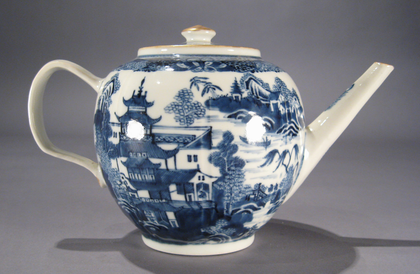 Chinese Export Porcelain Teapot In The Meandering Wall