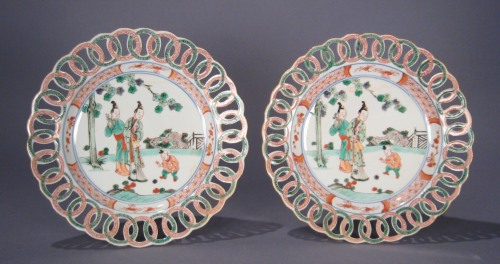 Famille_verte_pair_reticulated_plates