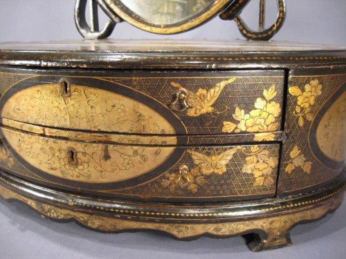 Chinese lacquer shaving mirror detail 1