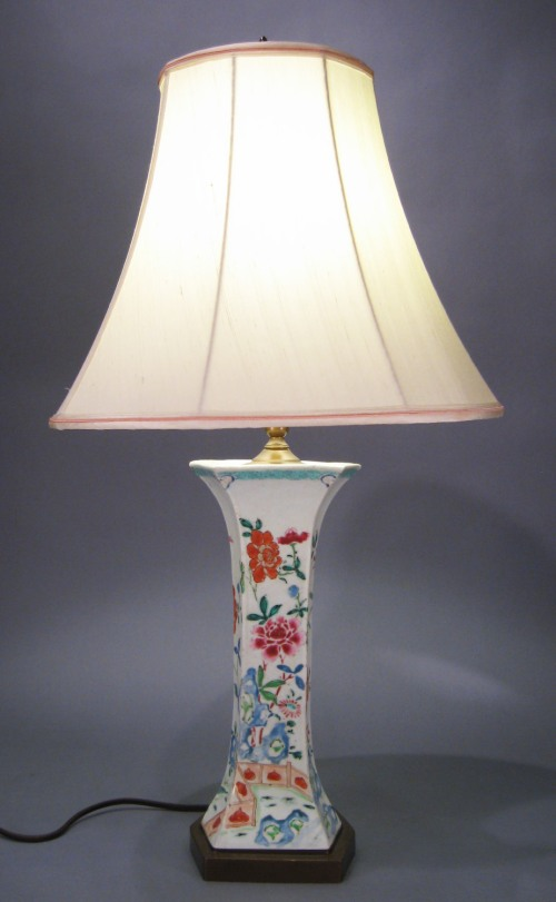 Single hexagonal famille rose lamp