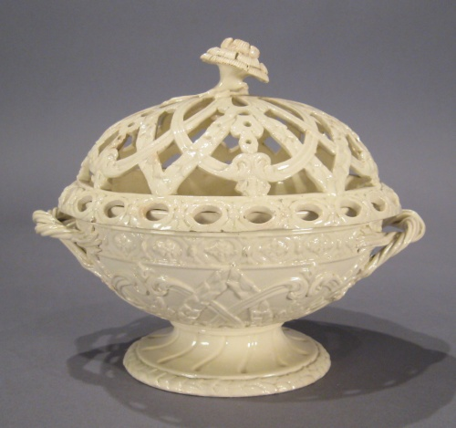 Wedgwood creamware lidded bowl
