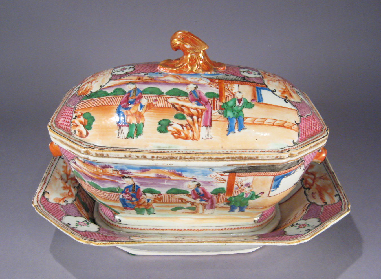 Chinese Export Porcelain Mandarin Pallet Soup Tureen on European Antiques Furniture