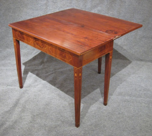 Rhode Island federal inlaid game table 1810 detail 1