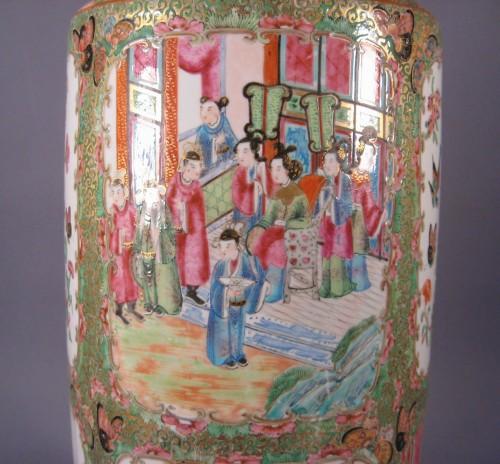 Rose mandarin large rouleau vase detail 1