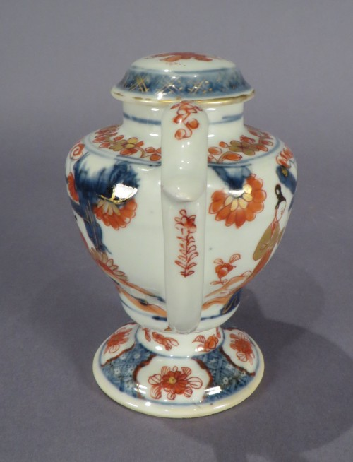 Chinese Imari oil lamp detail 1