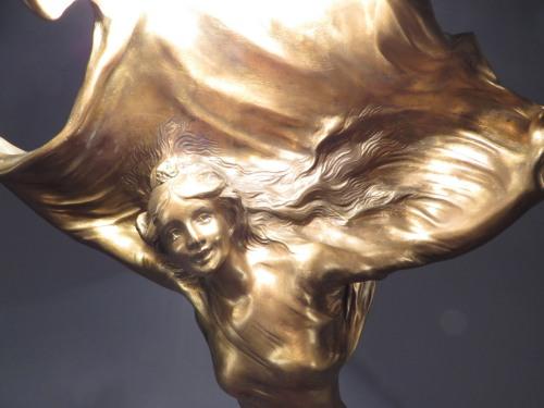 Larche lamp detail 1