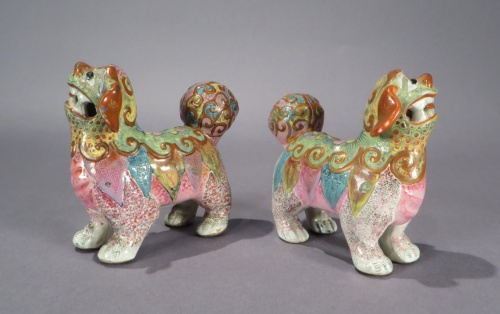 Famille rose standing foo dogs pair detail 1