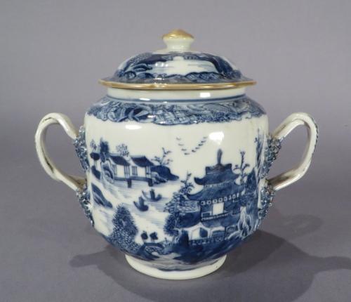 Blue and white sugar bowl 1770 detail