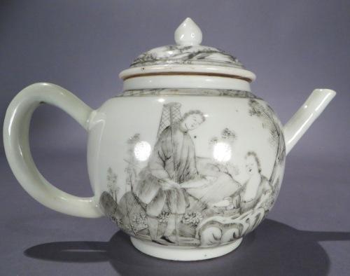 Grisailles teapot 1760 detail