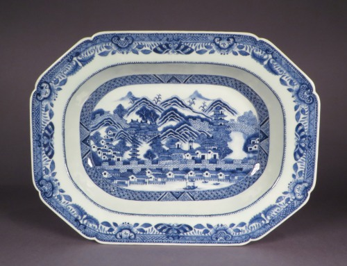 Blue and white tureen canton scene detail 1