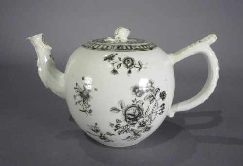 Grisailles teapot 2
