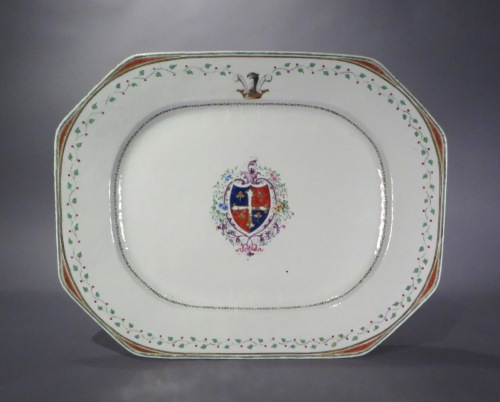 Chinese armorial platter tray table detail