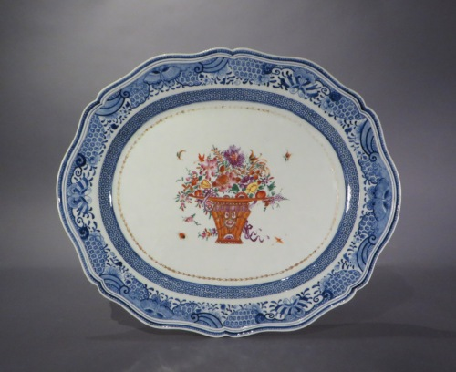 Chinese famille rose shaped platter tray table detail