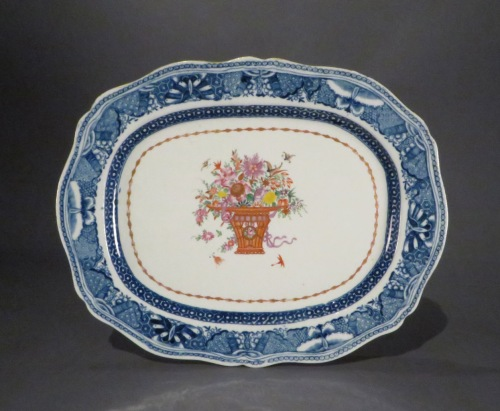 Famille rose small shaped platter
