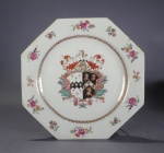 Armorial plate pair arms of Fecher Beale detail