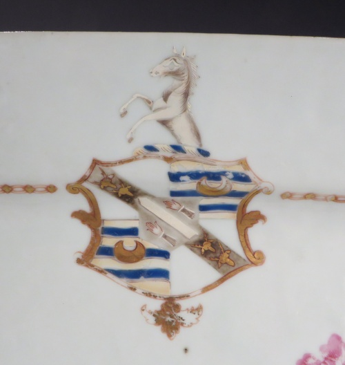 Armorial platter unidentified arms 1760 detail 1