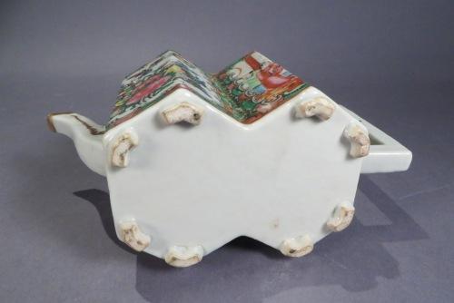 Famille rose double hexagon teapot detail 3