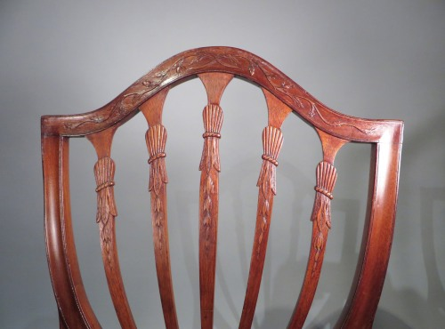 Philadelphia pair side chairs 1810 detail 1