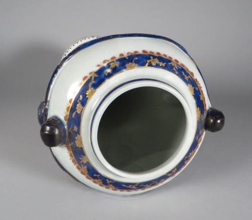 Samson pair urns no lids 1880 detail 3