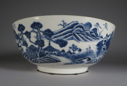 Blue and white punch bowl 1760 detail 3