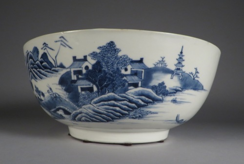 Blue and white punch bowl 1760 detail 4