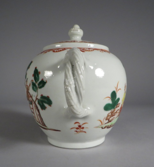 Famille verte teapot detail 2