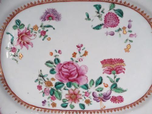 famille-rose-platter-1760-detail-1