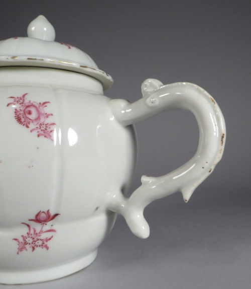 famille-rose-teapot-sculpted-handle-and-spout-detail-1