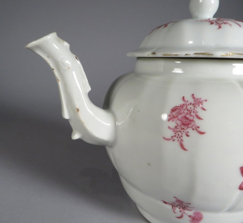 famille-rose-teapot-sculpted-handle-and-spout-detail-2
