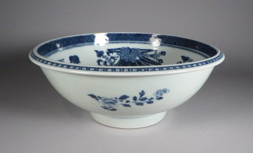blue-and-white-wash-basin-1790-detail-1