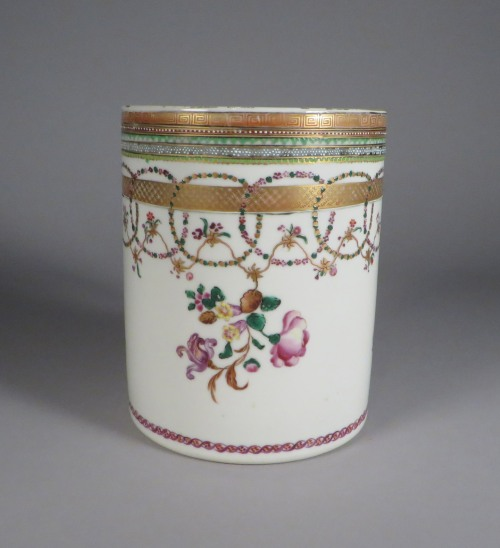 famille-rose-cann-1770-detail-1