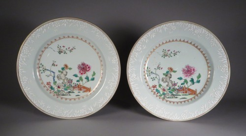 famille-rose-plates-pair-1740